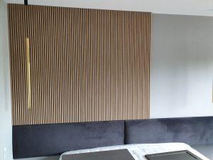 lamelowy panel w sypialni